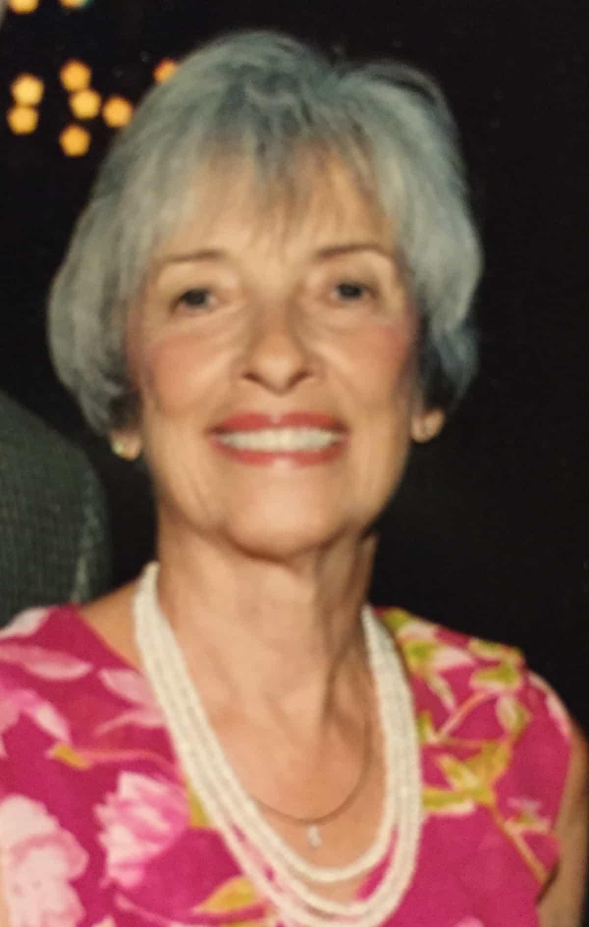 Carole Evelyn Louk
